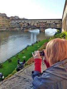 There are, of course, distractions as we make our way to the Uffizi... such as the Ponte Vecchio.