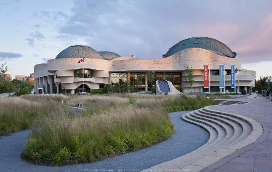 The Canadian Museum of History...about a forty minute walk from our hotel...